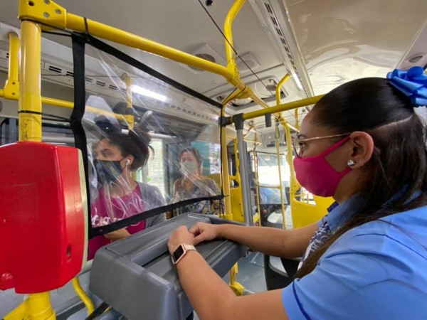 ônibus urbanos em Feira ganham proteção especial contra covid