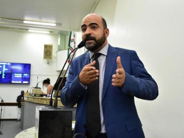 """Pedro Américo responde a Paulão: """"tentou chantagear o secretário Pablo Roberto"""""""
