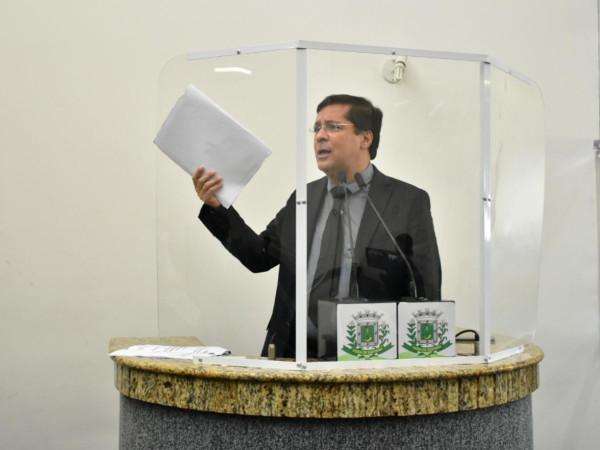 Fernando Torres passa mal e deixa a sessão da Câmara de Vereadores mais cedo; reação à vacina