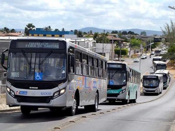 Greve abortada: empresas de ônibus pagam salário de abril a rodoviários feirenses