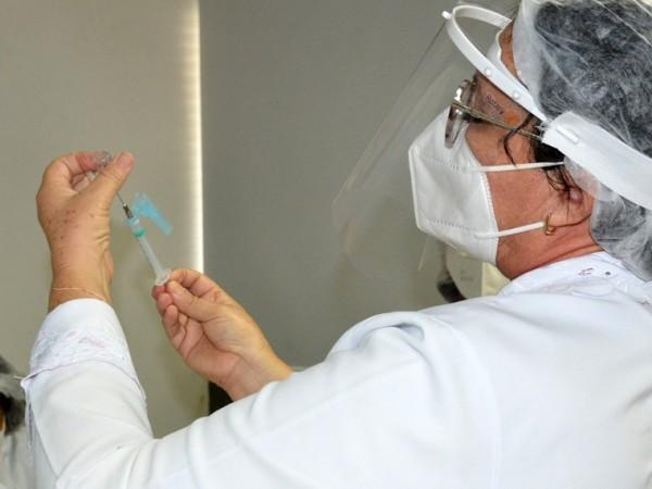 Vacinação contra covid em Feira é sem agendamento nesta sexta (30)