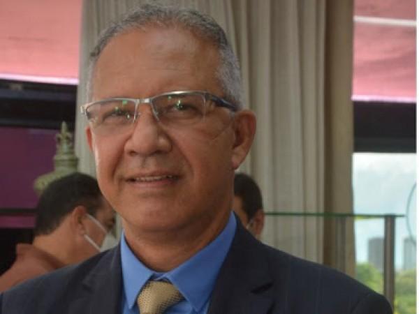 Deputado Carlos Geilson quer armas de PMs para guardas municipais
